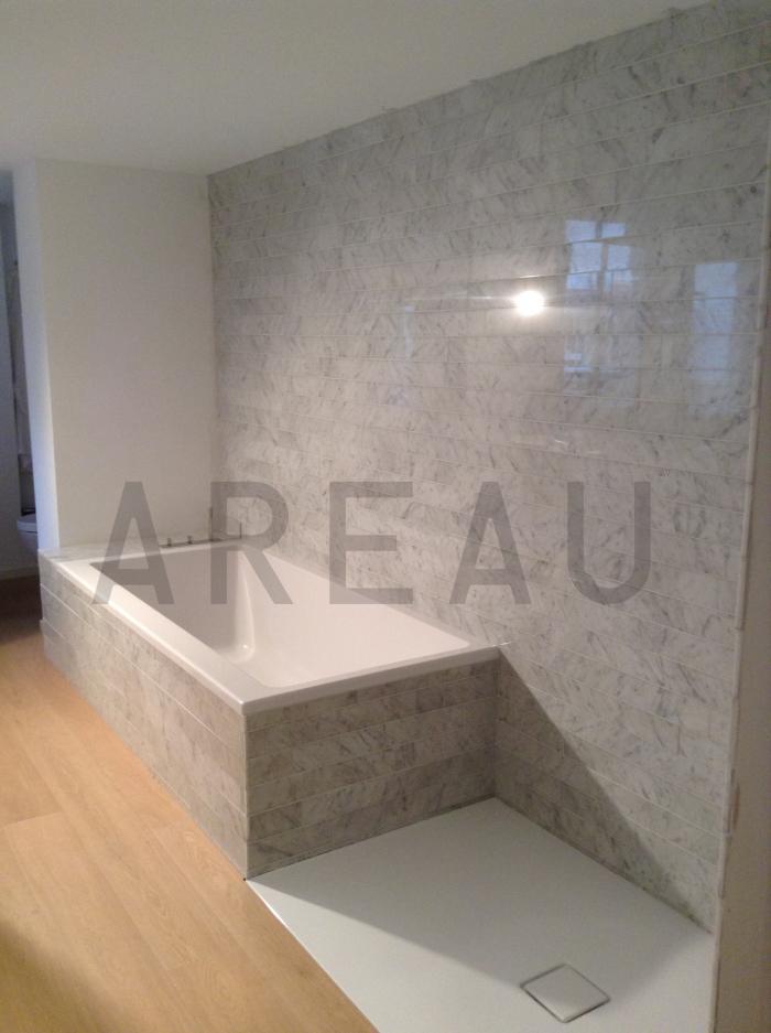 Badkamer Marmer Tegels.Badkamer Marmer Bianco Carrara Vloer En Wand Steengoezo